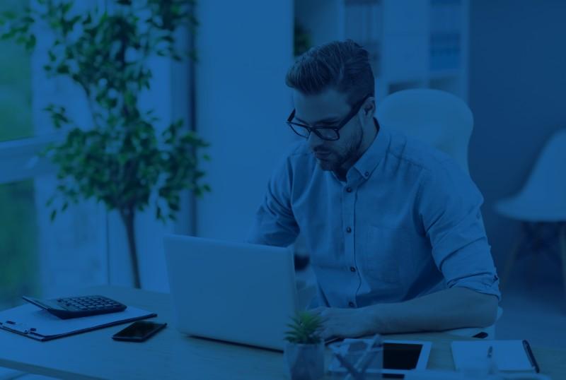 Jakie funkcje musi posiadać program do serwisu urządzeń imaszyn? Korzyści dla menadżera serwisu